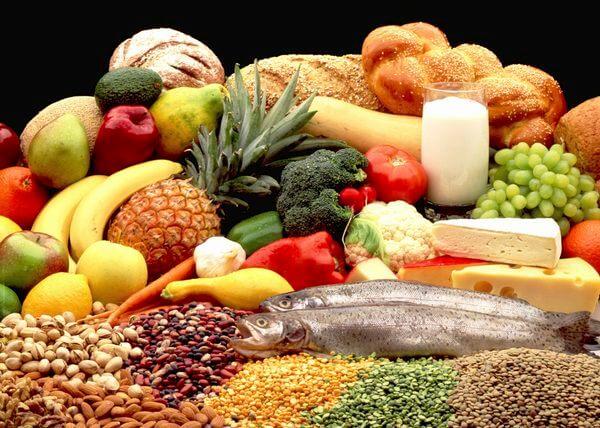 ხილი, ცილები, ნახშირწყლები